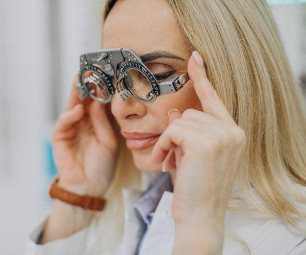 lekarz okulista